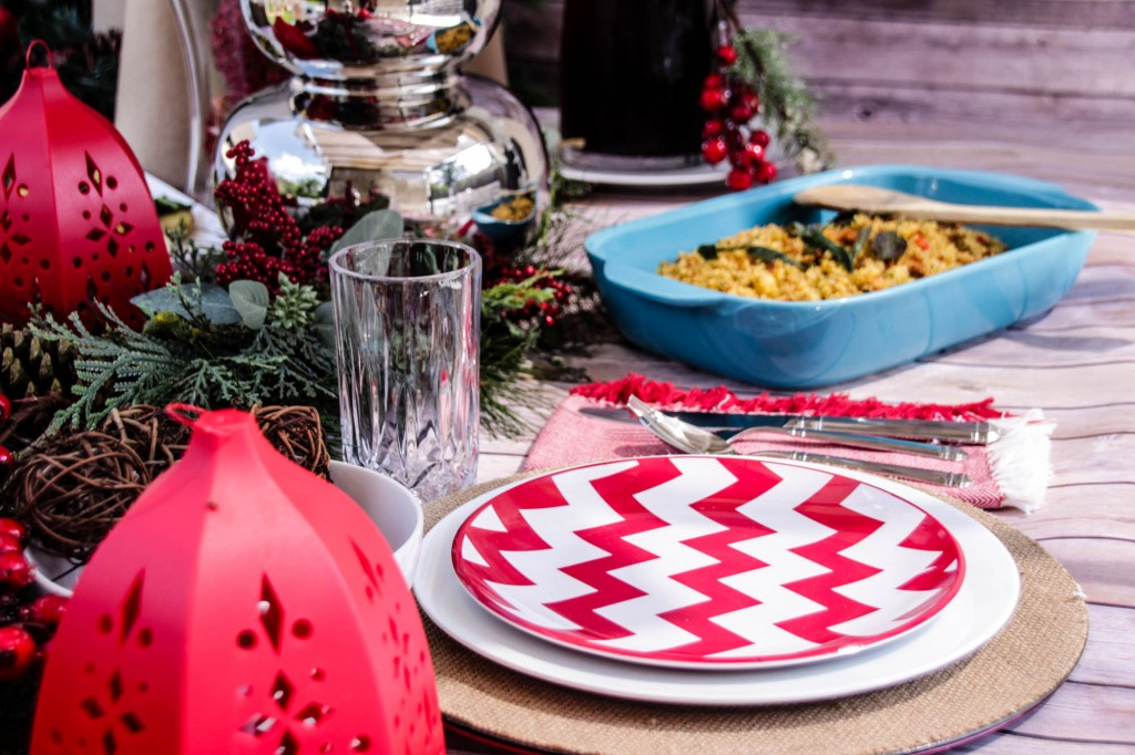 Red and White Chevon Natural Christmas Tablescape-11